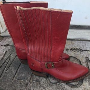 Red Frye boots ♥️
